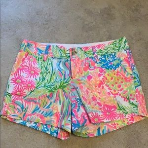 Lilly Pulitzer Callahan shorts multi lovers coral